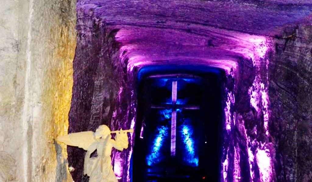 Regresa el turismo a Catedral de Sal