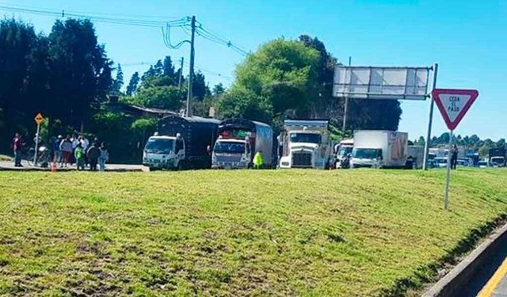 Por qué cerraron la vía entre Cajicá y Zipaquirá este lunes?