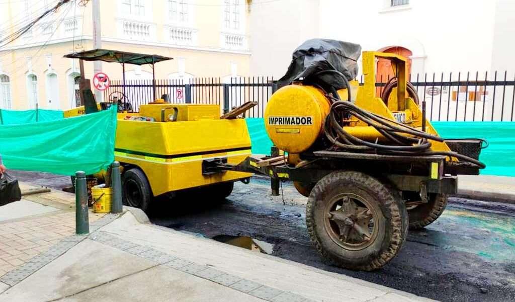 Qué le pasó a la maquinaria que se contrató para recuperar vías en Zipaquirá?